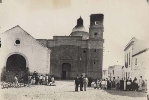 iglesia antigua y construccion de la nuevaaguimes