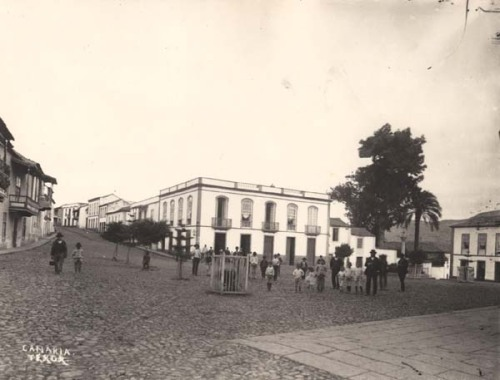 Plaza y Calle Real