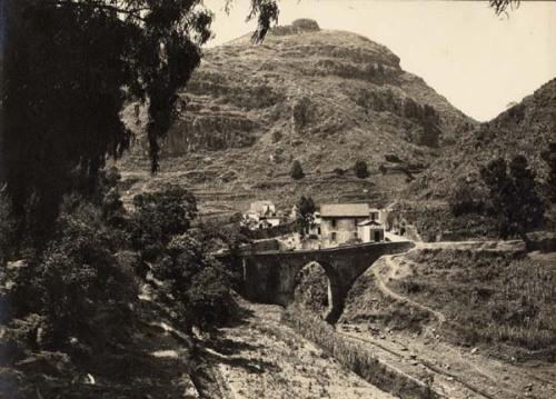 Puente de la fuente agria