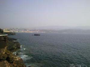 Vista de la Playa de Las Canteras desde El Confital
