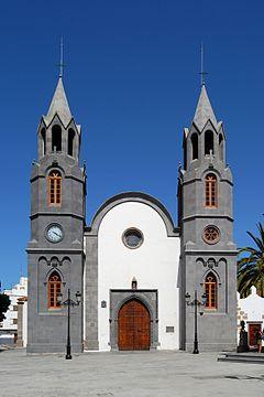 240px-Iglesia_de_San_Juan_Bautista